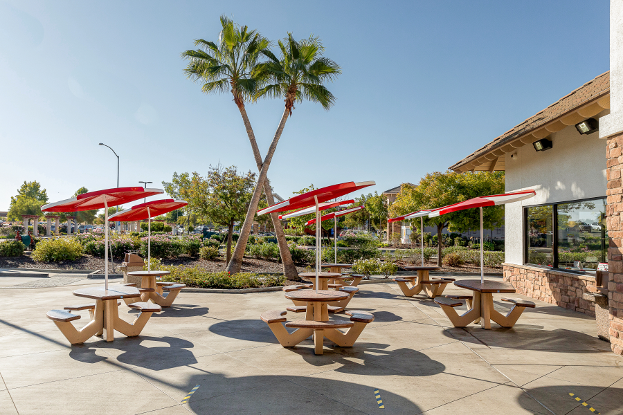 In N Out outdoor dining area