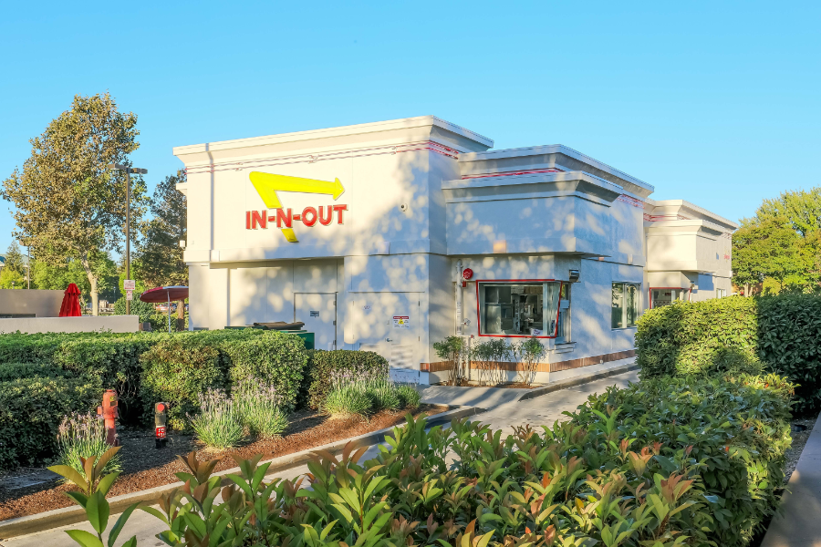 In n Out restaurant exterior