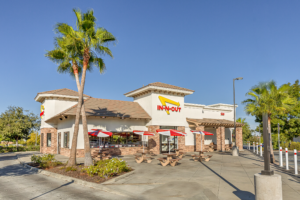 Store front of an In N Out restaurant