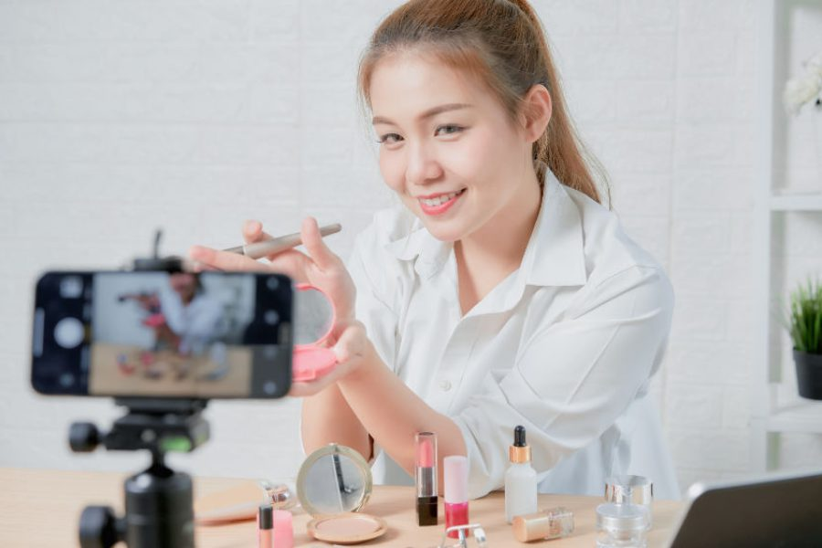 female shooting video for cosmetics